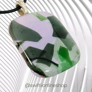BRAND NEW Wearable Glass Art Pendant Necklace